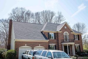 licensed roofing expert replacement